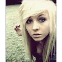 Blondeblueiis's photo