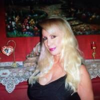 Queeny4u's photo