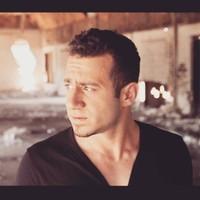 Yaniv 's photo