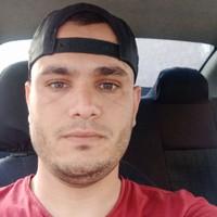 akrem 's photo