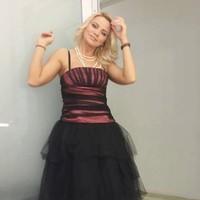 mariana0i's photo