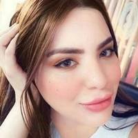LauraMills's photo