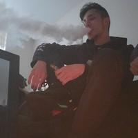 Dervazq's photo