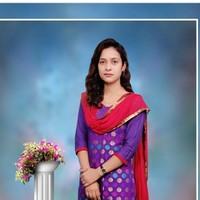 Pooja180's photo