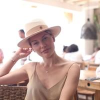 Jennifer Kumar 's photo
