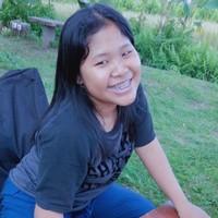 Putri Lestari's photo