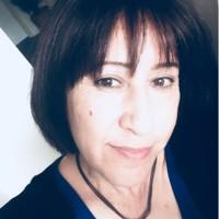 Brunette's photo