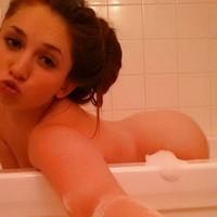 Alicia 9876's photo