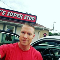 James 's photo