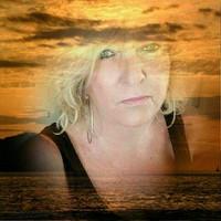 Debbie Tracey 's photo