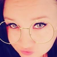 Dee's photo